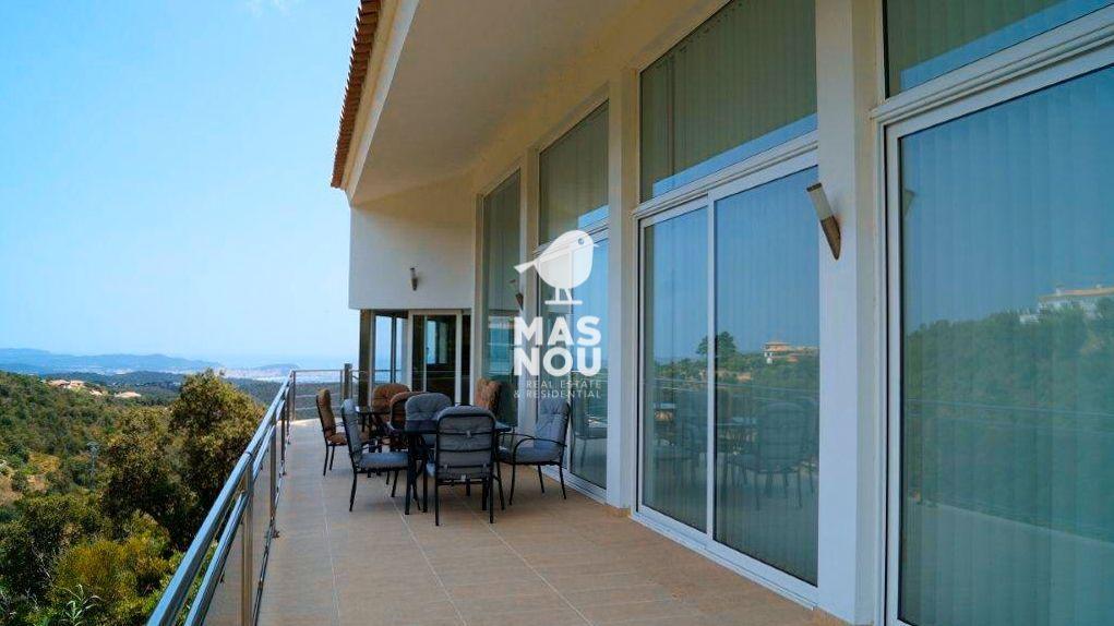 Alquilar villa con vistas montaña y playa en playa de aro por residencial mas nou 09 09