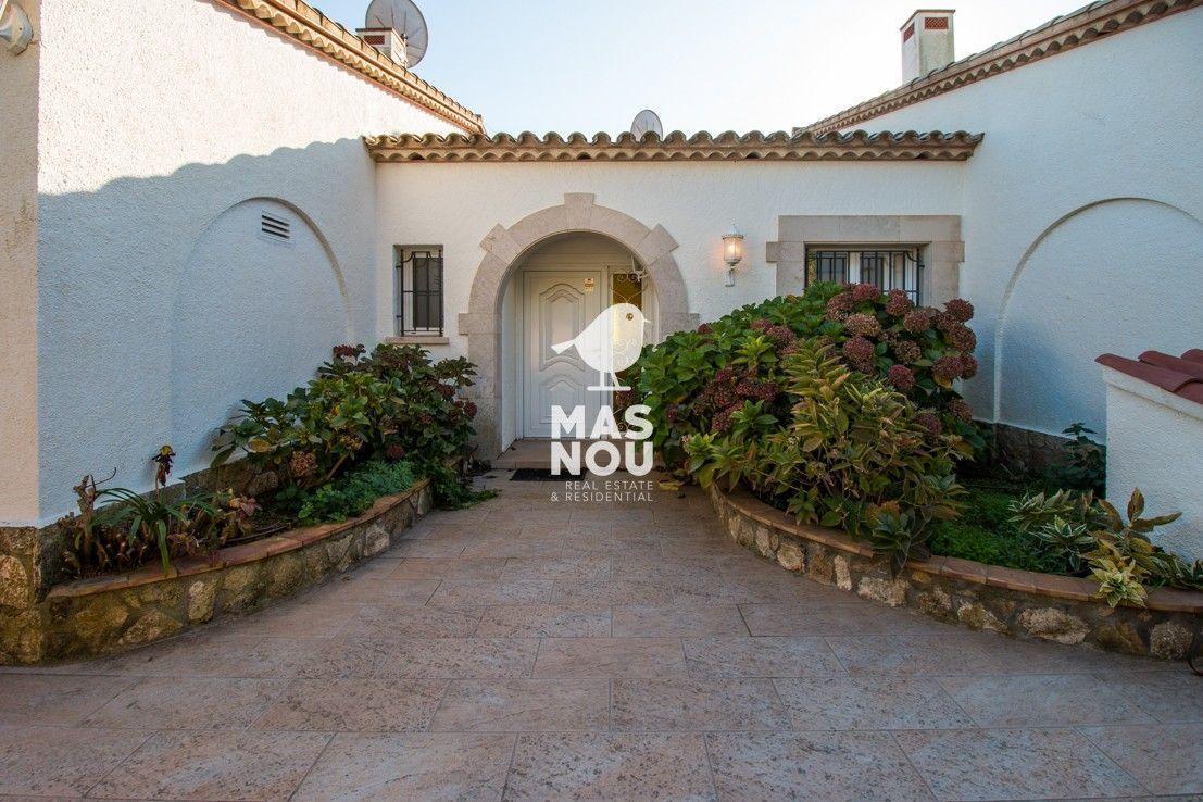 villa-en-venta-playa-de-aro-villa-mesina-inmobiliaria-playa-de-aro-7-7